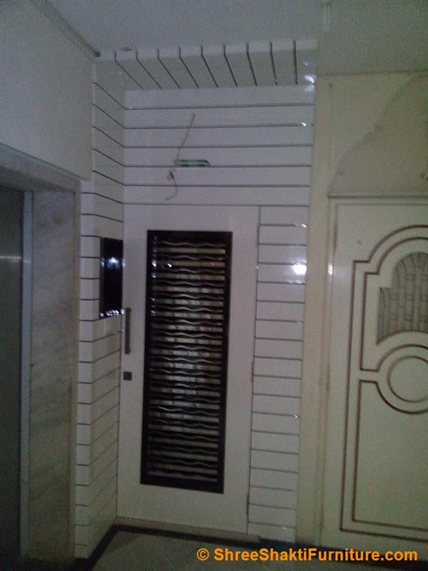 Main grill door photos main grill door designs wooden for Office main door design